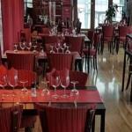salle de restaurant Bateau Restaurant La Péniche Arles